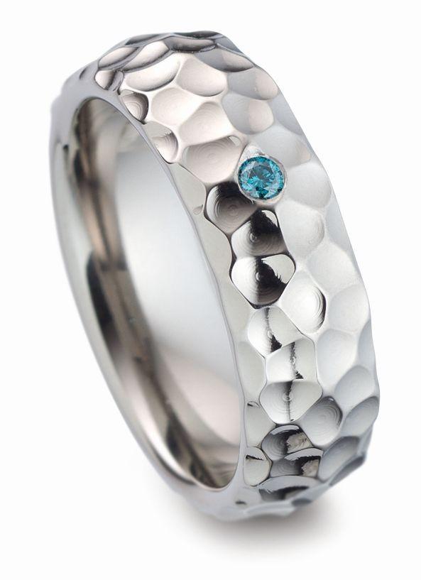 verlobungsgring freinsheim mit einem wei en oder blauen diamanten. Black Bedroom Furniture Sets. Home Design Ideas