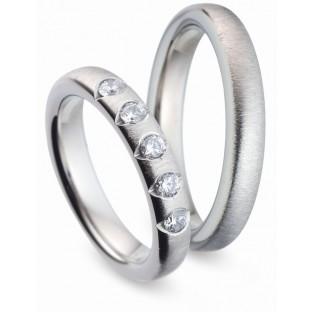 Trauringe Titanfactory mit 5 weißen Diamanten